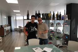Isaac Vinales dan pemilik SAG Racing Team, Edu Perales