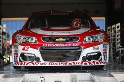 Auto de Kyle Larson, Chip Ganassi Racing Chevrolet, durante la inspección
