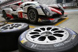 #5 Toyota Racing, Toyota TS050 Hybrid: Sebastien Buemi, Kazuki Nakajima, Anthony Davidson