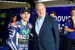 El ex rey de España Juan Carlos, con Jorge Lorenzo, Yamaha Factory Racing