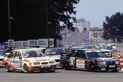 Начало гонки - Манужль Ройтер, MS-Mercedes и Франк Била, Ford