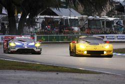 #66 Ford Performance Chip Ganassi Racing Ford GT: Sébastien Bourdais, Joey Hand, Dirk Müller, #4 Cor