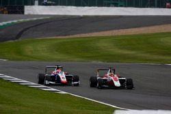 Charles Leclerc, ART Grand Prix überholt Antonio Fuoco, Trident