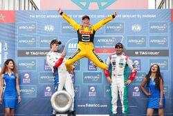 Podium: race winner Tom Coronel, Roal Motorsport, Chevrolet RML Cruze TC1