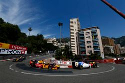 Oliver Rowland, MP Motorsport et Antonio Giovinazzi, Prema Racing