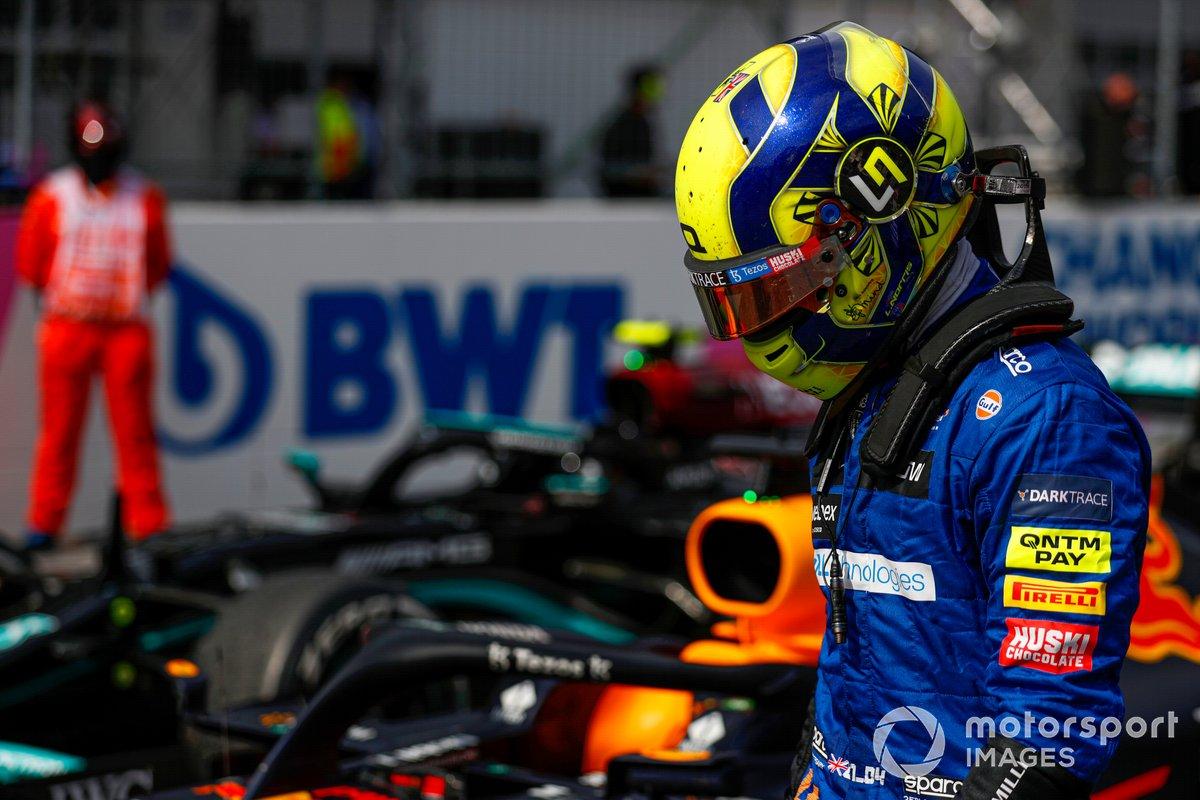 Tercer lugar Lando Norris, McLaren , en Parc Ferme