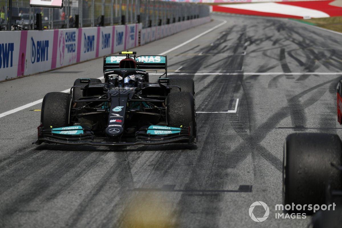 Valtteri Bottas, Mercedes W12, 2° classificato, arriva al Parco Chiuso