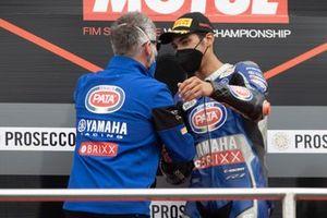 Podio: Phil Marron, ganador Toprak Razgatlioglu, PATA Yamaha WorldSBK Team