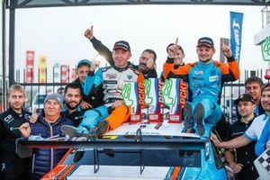 Carville Racing празднует дубль