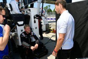 #01 Chip Ganassi Racing Cadillac DPi: Renger van der Zande, Kevin Magnussen e Romain Grosjean in pit lane.