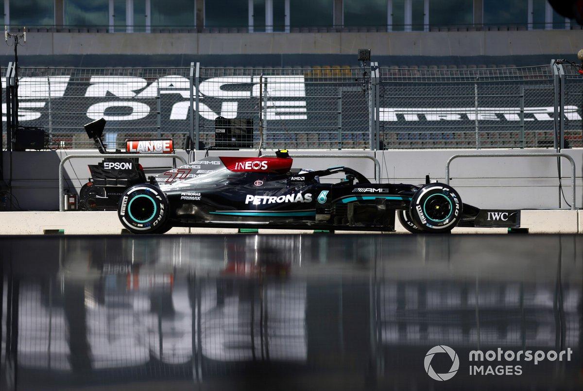 Valtteri Bottas, Mercedes W12 pit lane