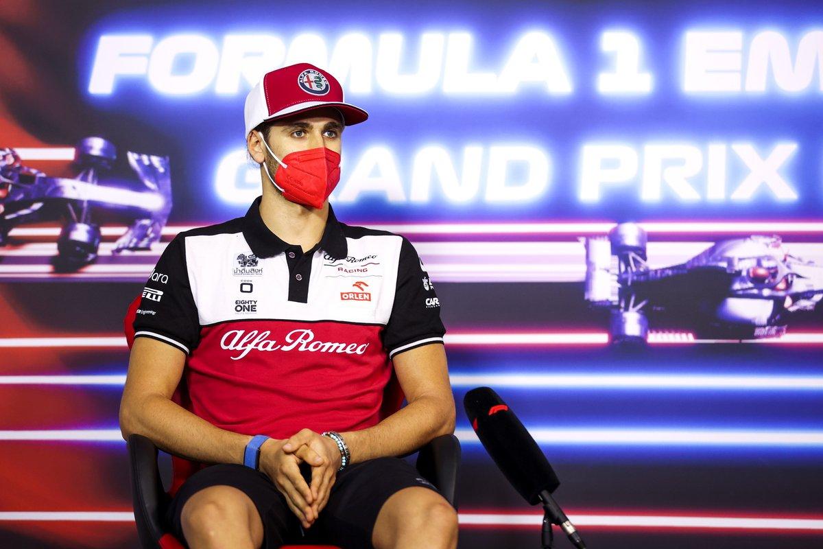 Antonio Giovinazzi, Alfa Romeo Racing en la conferencia de prensa