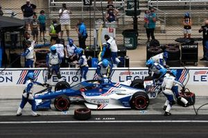 Alex Palou, Chip Ganassi Racing Honda, fait un arrêt au stand