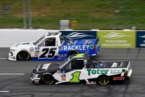 Hailie Deegan, Team DGR, Ford F-150 Toter and Josh Berry, Rackley W.A.R., Chevrolet Silverado Rackley Roofing