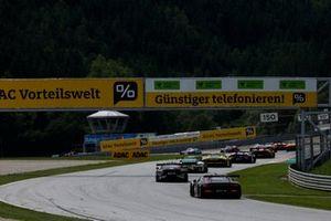 Renn-Action beim ADAC GT Masters 2021 auf dem Red-Bull-Ring in Spielberg