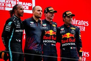 h2Lewis Hamilton, Mercedes nd Gianpiero Lambiase, Race Engineer, Red Bull Racing, Max Verstappen, Red Bull Racing, 1st position, and Sergio Perez, Red Bull Racing, 3rd position, on the podium
