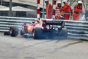 Charles Leclerc, Ferrari SF21, crashes out towards the end of Qualifying