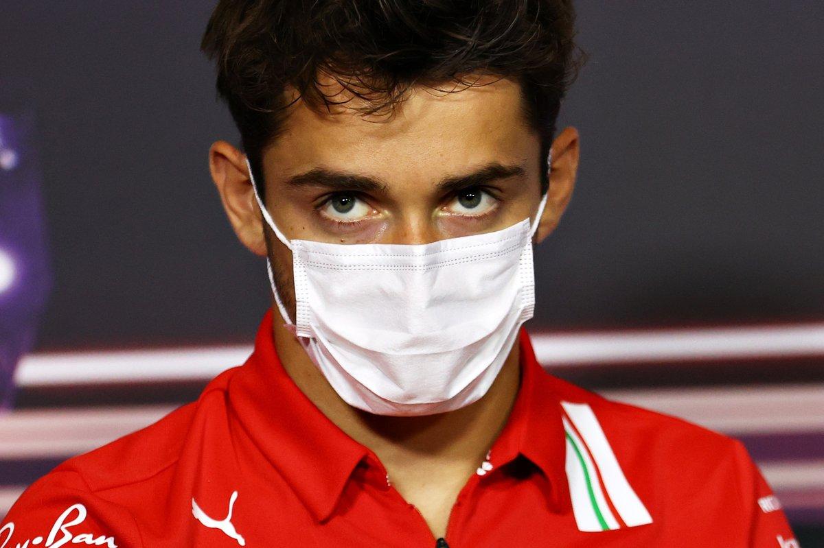 Charles Leclerc, Ferrari durante la conferencia de prensa