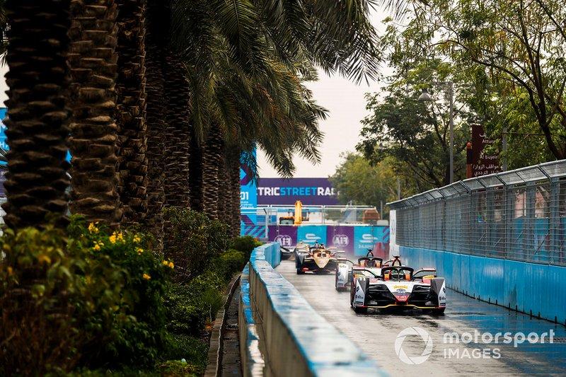 Лукас ди Грасси и Даниэль Абт, Audi Sport ABT Schaeffler, Audi e-tron FE05, Жан-Эрик Вернь, DS Techeetah Formula E Team, DS E-Tense FE19