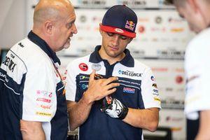 Jorge Martin, Del Conca Gresini Racing Moto3 with his damaged hand