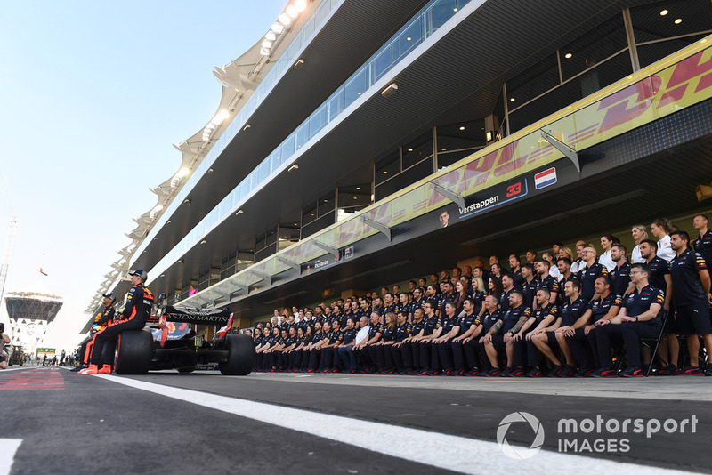 Foto de grupo de Red Bull Racing team