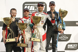 Podium: race winner Mehdi Bennani, Sébastien Loeb Racing, second place Aurélien Comte, DG Sport Competition, third place Nathanaël Berthon, Comtoyou Racing