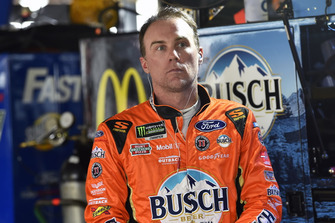 Kevin Harvick, Stewart-Haas Racing, Ford Fusion Busch Outdoors