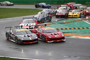 #112 Ferrari 488, Octane 120: Rick Lovat e #120 Ferrari 488 Scuderia FMA: Guy Fawe