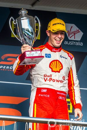 Podium: race winner Scott McLaughlin, DJR Team Penske