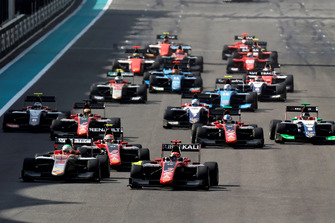 Nikita Mazepin, ART Grand Prix leads Leonardo Pulcini, Campos Racing and Anthoine Hubert, ART Grand Prix, at the start of the race