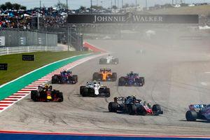 Kevin Magnussen, Haas F1 Team VF-18, voor Max Verstappen, Red Bull Racing RB14, Sergey Sirotkin, Williams FW41, Brendon Hartley, Toro Rosso STR13, Pierre Gasly, Scuderia Toro Rosso STR13, Stoffel Vandoorne, McLaren MCL33