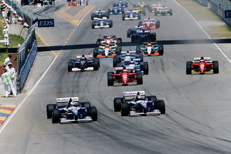 Damon Hill leads teammate David Coulthard, Williams FW17B Renault, start of race