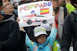 A young fan of Fernando Alonso, Toyota Gazoo Racing