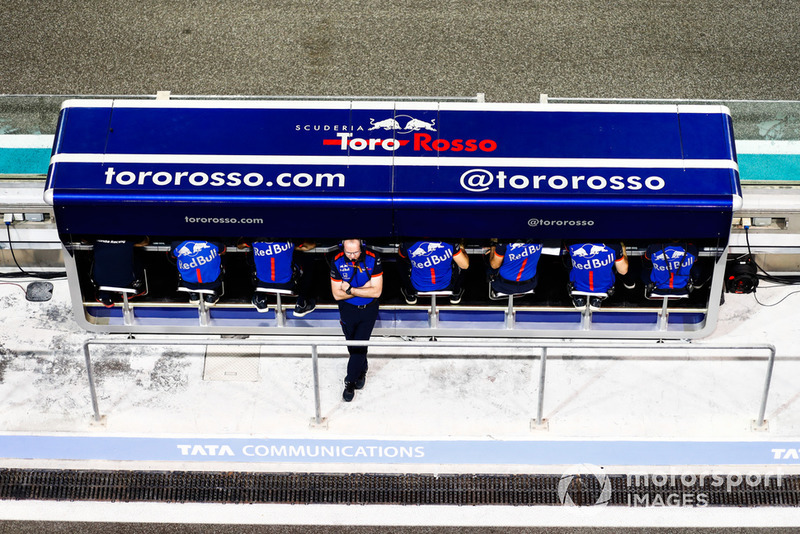 The Toro Rosso engineers on the pit wall