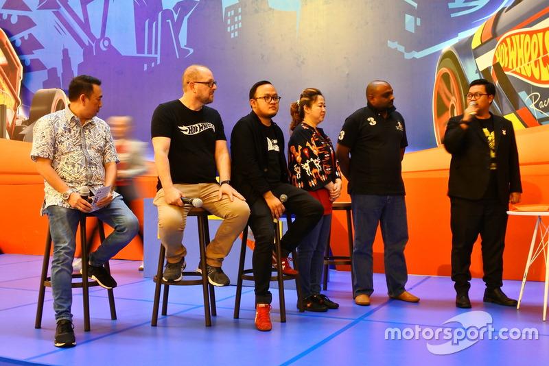 Penghargaan MURI: Trek Hot Wheels indoor terpanjang di Indonesia