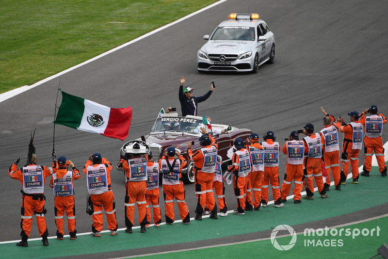 Sergio Perez, Racing Point Force India en el desfile de pilotos
