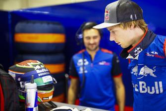 Brendon Hartley, Toro Rosso, voit un message pour son anniversaire sur sa visière