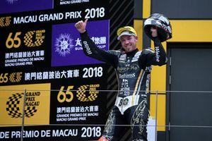 Podio: il vincitore della gara Peter Hickman, Aspire-Ho by Bathams Racing, BMW