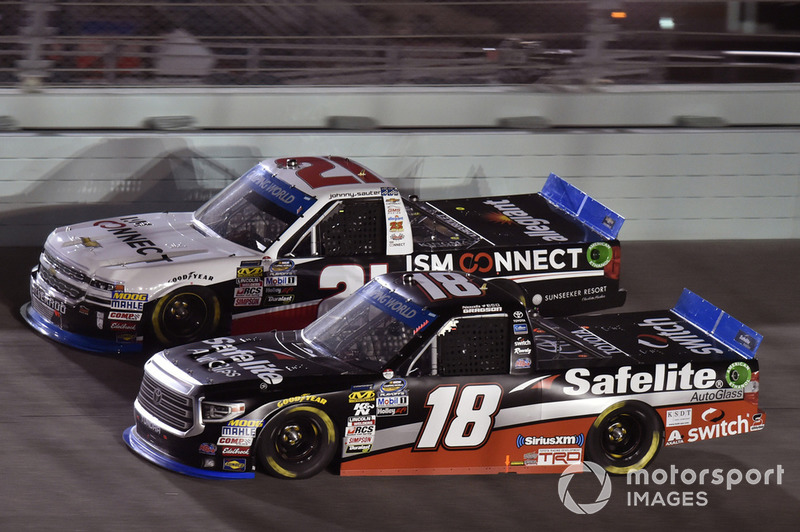 Noah Gragson, Kyle Busch Motorsports, Toyota Tundra Safelite AutoGlass and Johnny Sauter, GMS Racing, Chevrolet Silverado ISM Connect