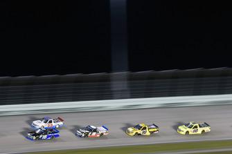 Brett Moffitt, Hattori Racing Enterprises, Toyota Tundra AISIN Group and Tanner Thorson, Young's Motorsports, Chevrolet Silverado Go Share
