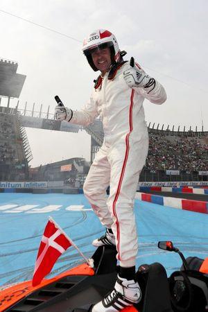 Tom Kristensen viert de winst van de ROC Nations Cup