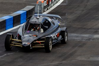 Nils Naujoks in de ROC Car