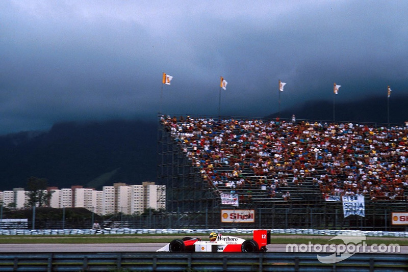 Ayrton Senna, McLaren MP4/4 Honda is black flagged