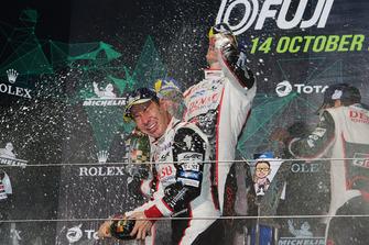 Podio LMP1: ganador, Kamui Kobayashi, Toyota Gazoo Racing