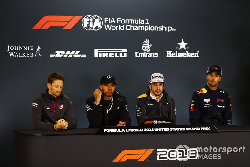 Romain Grosjean, Haas F1 Team,Lewis Hamilton, Mercedes AMG F1, Fernando Alonso, McLaren, et Romain Grosjean, Haas F1 Team, en conférence de presse