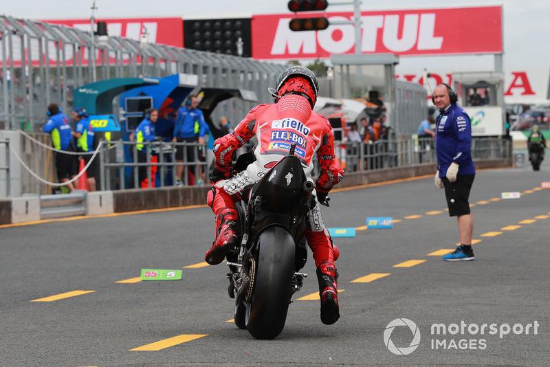 Хорхе Лоренсо, Ducati Team, виїхав на трасу у першій практиці Гран прі Японії, але після двох кіл відмовився від подальшої участі у вікенді