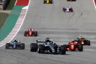 Lewis Hamilton, Mercedes AMG F1 W09 EQ Power+, Kimi Raikkonen, Ferrari SF71H, Valtteri Bottas, Mercedes AMG F1 W09 EQ Power+, Daniel Ricciardo, Red Bull Racing RB14, Sebastian Vettel, Ferrari SF71H