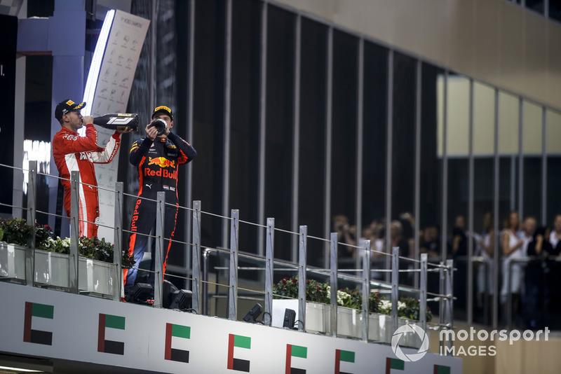 Sebastian Vettel, Ferrari et Max Verstappen, Red Bull Racing sur le podium