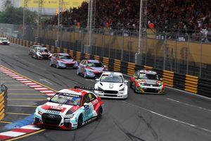 Jean-Karl Vernay, Audi Sport Leopard Lukoil Team Audi RS 3 LMS leads