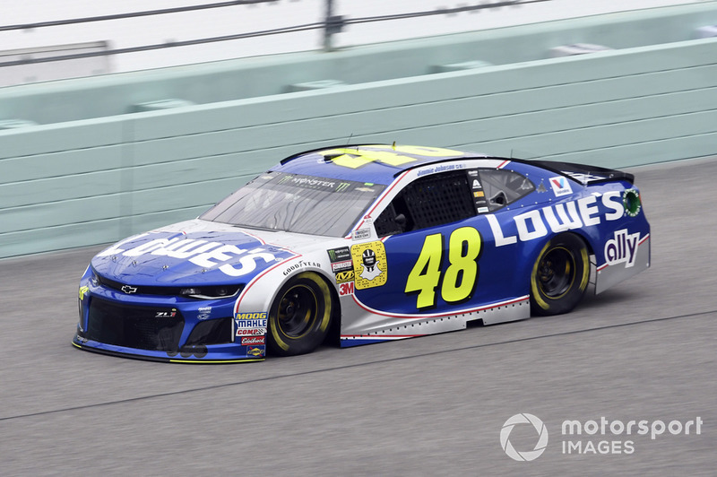 19. Jimmie Johnson, Hendrick Motorsports, Chevrolet Camaro Lowe's Rookie Throwback